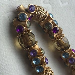 Jewelry - Gold & jeweled stretch bracelet